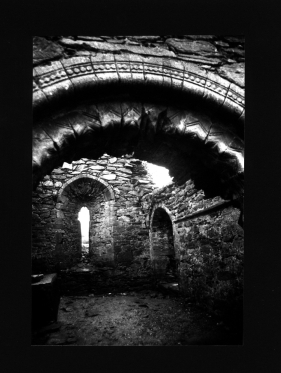 Kirche-schwarz-weiss